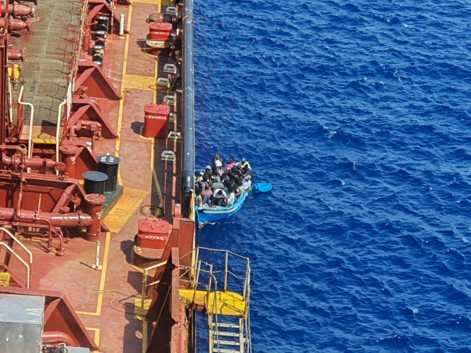 URGENT UPDATE: Maersk confirms that 3 migrants jumped over board on the Etienne, Malta still refuses safe port.
